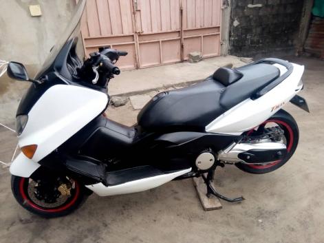 Moto Yamaha tmax 500