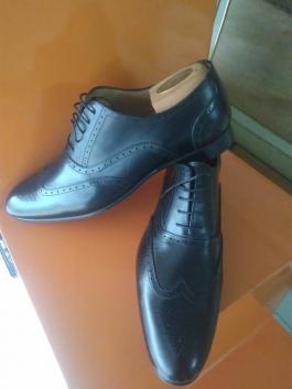 Chaussures en cuir de marque