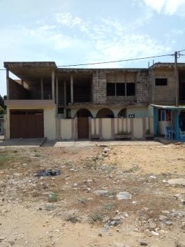 Maison à Ex ZONE DE AMBASSADE