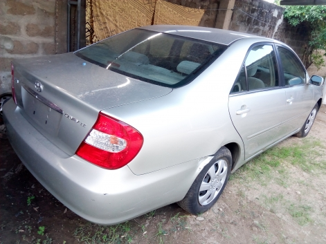 TOYOTA CAMRY PROPRE